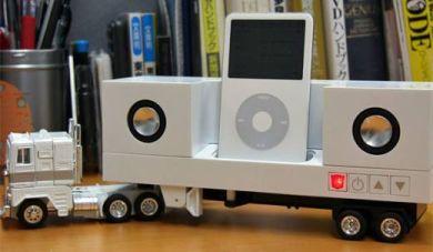 Подставка для iPod Optimus Prime