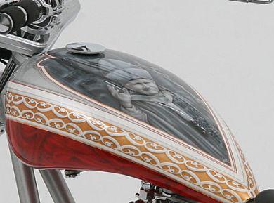 Папа Римский Иоанн Павел II на мотоцикле