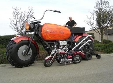 Монстроцикл огромный мотоцикл